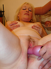 Aged granny loves to be fucked