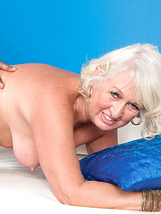 Aged whore Jeannie Lou getting interracial bang