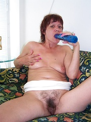 Furry cunt slut gets stuck in her hair pie!