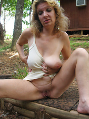 Wild sex hungry aged sluts flashing outdoors