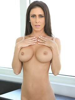 mature model Jessica Jaymes